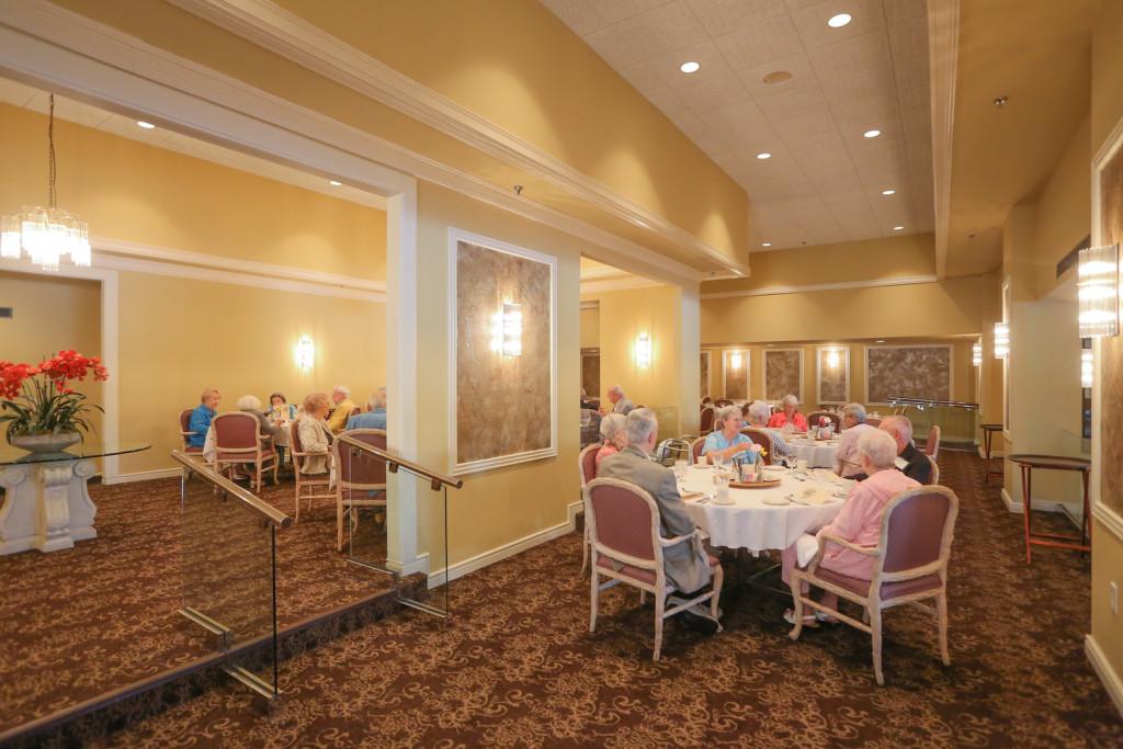 Tour Sarasota 39 S Best Retirement Living Communities Lakehouse West S